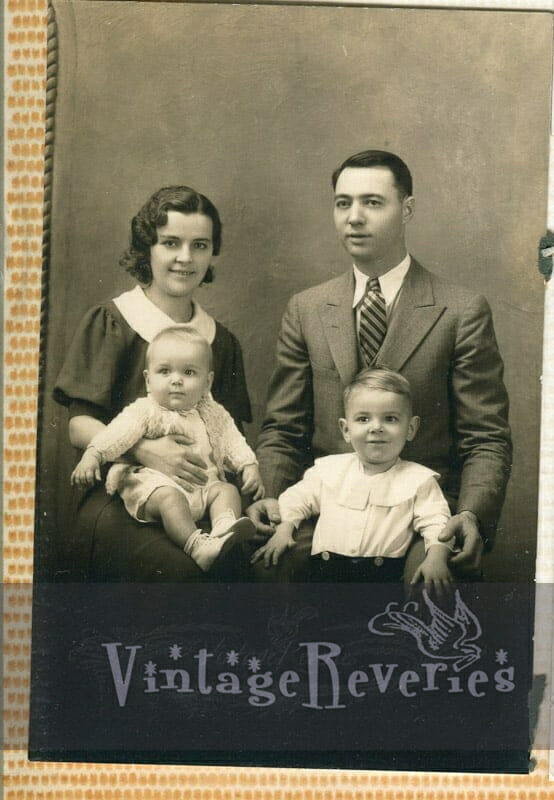 1930s formal family photo