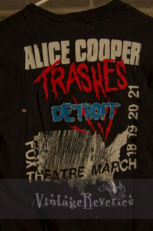 Alice Cooper Trashes Detroit at the Fox Theatre – 1990 heavy metal band tshirt