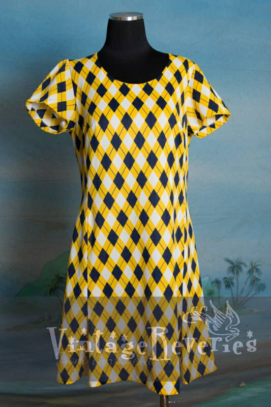 Sporty cute bright yellow plaid print summer dress – Medium – Large