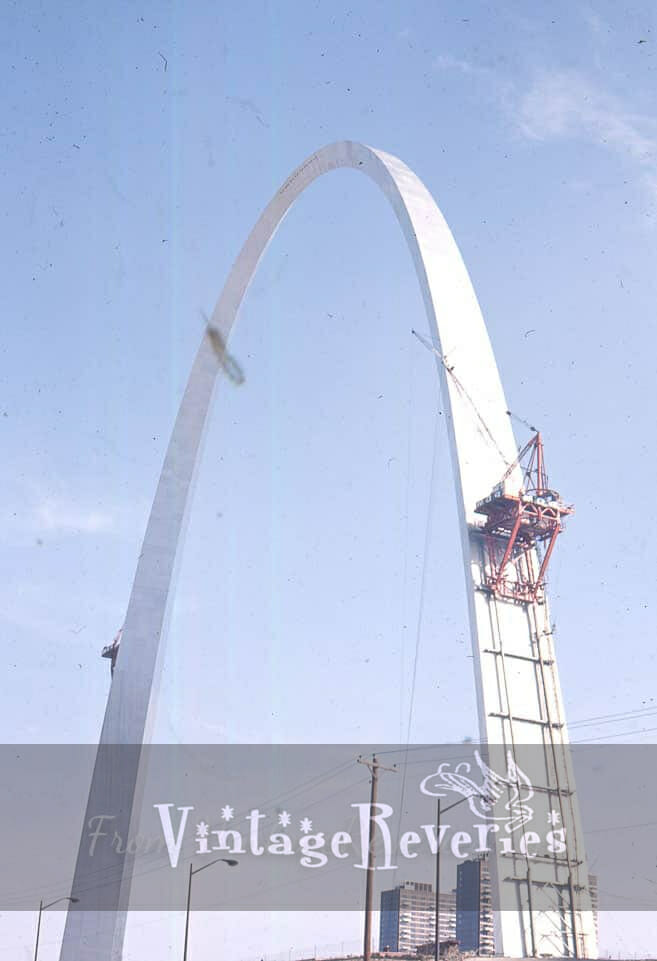 the final phase of the gateway arch construction