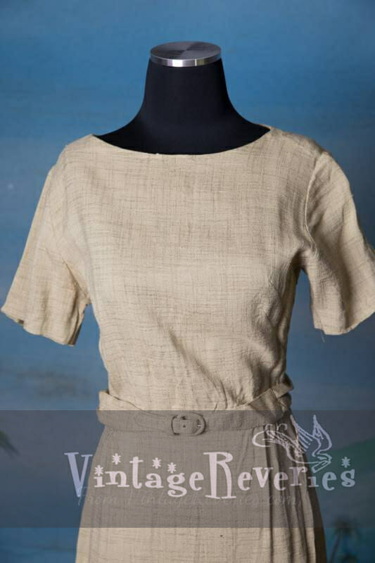 Comfy Tan Linen 1970s Vintage Berkshire Dress