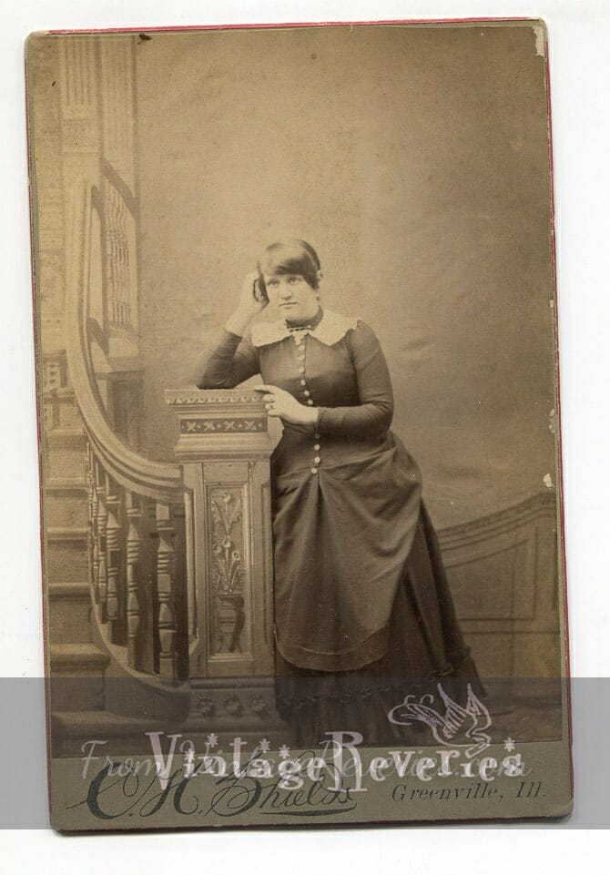 1800s heavyset woman