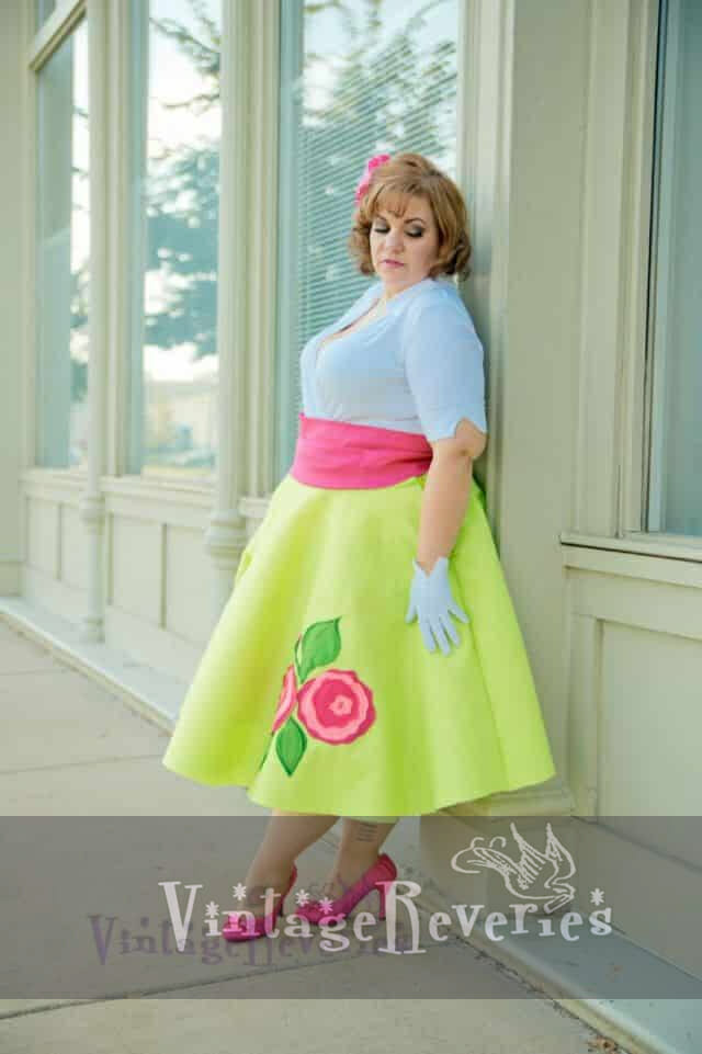 plus size pinup model